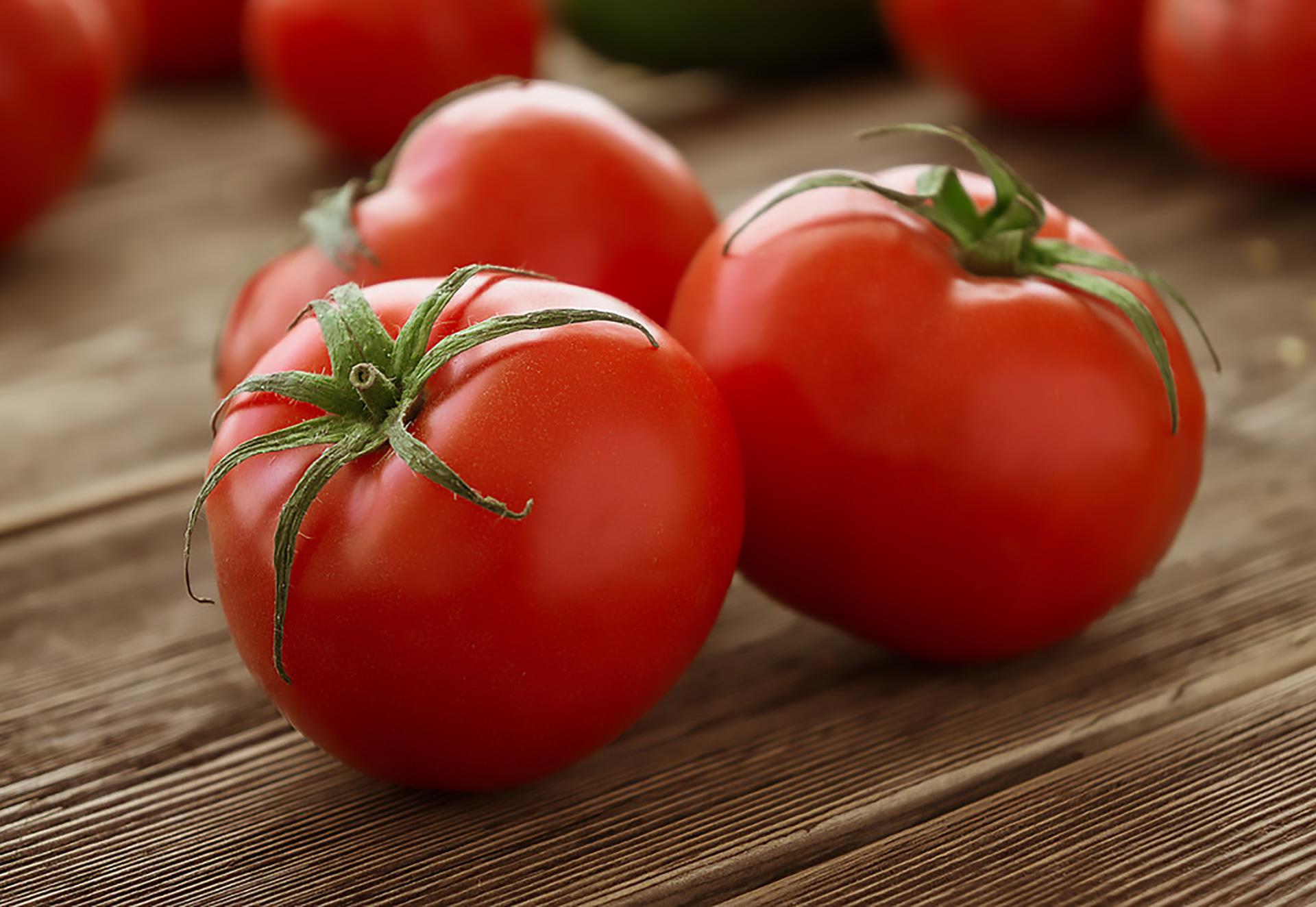 فوائد تناول الطماطم للبشرة